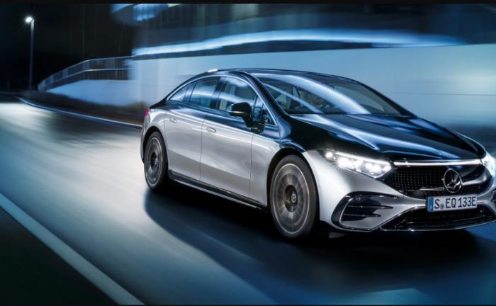Mercedes-Benz EQS Analysis: Large Electric Car